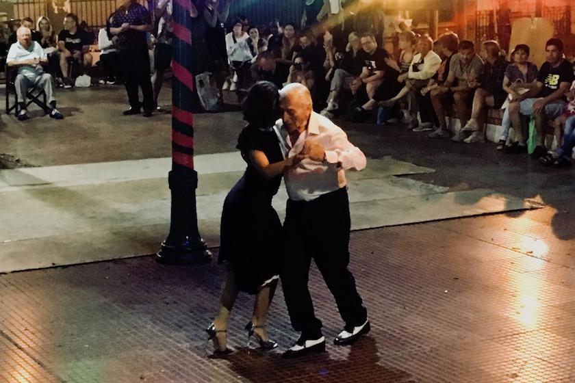 Buenos Aires: tango dansen, spoedcursus Spaans en met de politie naar Recoleta